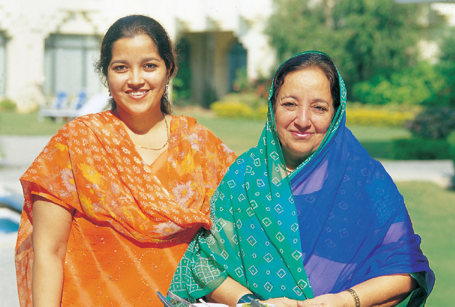 Begum Saab Farhat Sultana and her daughter Nawabzadi Aliya Sultana, the great  promoters of Balasinor cuisine