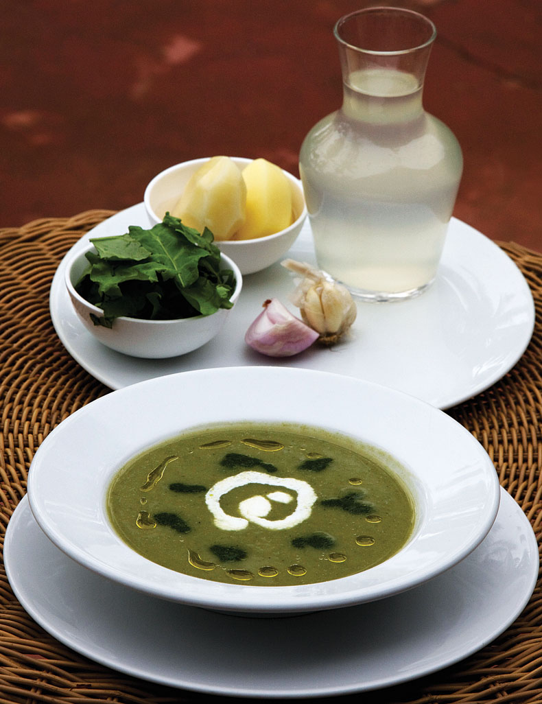 CALDO VERDE (Puree of potato and